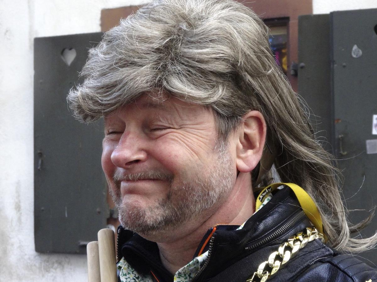 Fasnachtsclique die Antygge | Basler Fasnacht 2015 | Sujet: Hauptsach Scharf, was drinn isch isch Wurscht